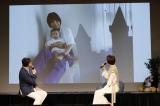 愛娘と「ワンダービューシアター」を体験する篠田麻里子