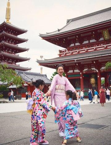 """サムネイル 着物を着て""""お祭り""""体験を楽しんだ西山茉希親子"""
