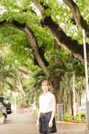 鈴木絢音1st写真集『光の角度』先行カット 撮影/新津保建秀