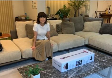 『ダイソン掃除機 新製品発表会』にVTR出演した松本伊代