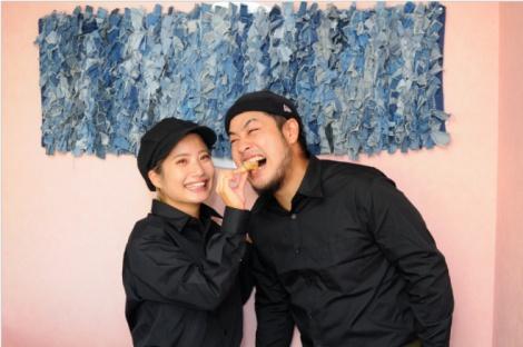 サムネイル 『あいのり:Asian Journey』に出演していたでっぱりん(左)がYouTuber・セブ家族のヤス(右)との結婚を報告(写真はブログより/掲載許可済み)