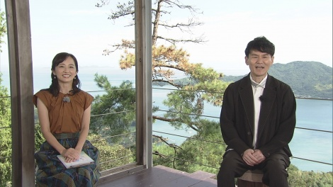 『もっと四国音楽祭 2020』司会(左から)首藤奈知子(NHK 松山放送局アナウンサー)、南原清隆(C)NHK四国