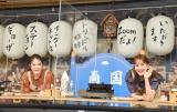 姉妹として芸能イベントで初共演を果たした(左から)トリンドル瑠奈、トリンドル玲奈=オンラインイベント『ギョーザステーション インターネット店』 (C)ORICON NewS inc.