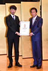日本国際ダンス連盟『FIDA JAPAN』名誉会長就任記者会見に出席した(左から)神田勘太郎会長、杉良太郎 (C)ORICON NewS inc.