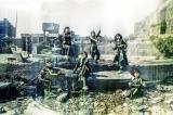 軍艦島で撮影された新ビジュアルを公開したBiSH