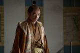 織田信長(染谷将太)が激怒している理由は?=大河ドラマ『麒麟がくる』第28回(10月18日放送)(C)NHK