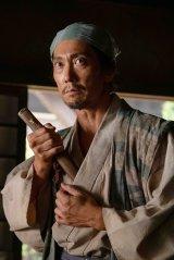 大河ドラマ『麒麟がくる』第27回(10月11日放送)より。ただ者ではない感出しまくりの木下藤吉郎(佐々木蔵之介)(C)NHK