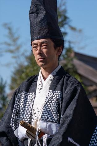 大河ドラマ『麒麟がくる』第27回(10月11日放送)より。足利義昭(滝藤賢一) (C)NHK