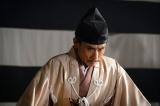 大河ドラマ『麒麟がくる』第28回(10月18日放送)より。幕府を腐らせてきた張本人とも言える摂津晴門(片岡鶴太郎)(C)NHK