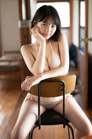 『ヤンマガWeb』に登場した「ミス週刊少年マガジン」の菊地姫奈(C)藤本和典/ ヤンマガWeb