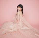 吉田朱里 ピンクのドレスを脱ぎ…