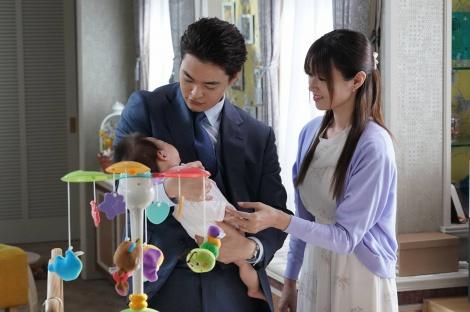 木曜劇場 『ルパンの娘』第3話に出演する(左から)瀬戸康史、深田恭子(C)フジテレビ