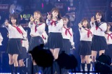 全員セーラー服で「青春のラップタイム」などを披露=『吉田朱里 卒業コンサート 〜さよならピンクさよならアイドル〜』より(C)NMB48