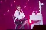 自身がプロデュースするコスメブランド「B IDOL」にちなんだメドレーも=『吉田朱里 卒業コンサート 〜さよならピンクさよならアイドル〜』より(C)NMB48