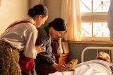 連続テレビ小説『エール』第19週・第91回より。豊橋の帰った音(二階堂ふみ)は、入院している岩城(吉原光夫)を見舞うが…(C)NHK