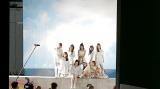 デビューシングル「Step and a step」のジャケット写真撮影裏側も(C)Sony Music Entertainment (Japan) Inc./JYP Entertainment.