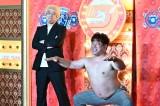 27日放送『歌ネタゴングSHOW 爆笑!ターンテーブル』に出演するプラス・マイナス(左から)兼光タカシ、岩橋良昌(C)TBS