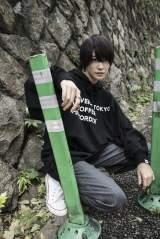 「CONVERSE TOKYO」コラボアイテムのビジュアルに起用された中山咲月