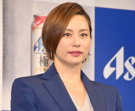 活動休止の嵐にエールを送った米倉涼子=アサヒ『極上<キレ味>』新CM発表会(C)ORICON NewS inc.
