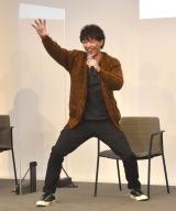変身ポーズを披露する金子昇=東京国際映画祭『酒井一圭presentsスーパー戦隊サプライズフェスティバル』