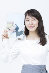 吉岡里帆=写真集『里帆採取 by Asami Kiyokawa』刊行記念オンラインサイン会前取材