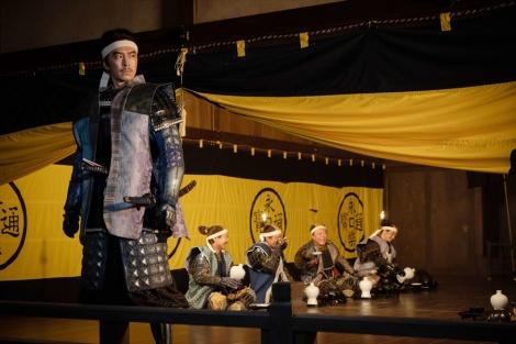 明智光秀(長谷川博己)=大河ドラマ『麒麟がくる』第31回「逃げよ信長」(11月8日放送)より (C)NHK