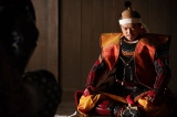 このまま前進するという信長(染谷将太)だったが=大河ドラマ『麒麟がくる』第31回「逃げよ信長」(11月8日放送)より (C)NHK