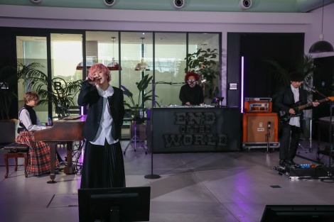 SEKAI NO OWARIの世界展開プロジェクト「End of the World」が初の配信ライブを開催