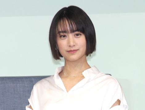 自宅でのお気に入りアイテムを紹介した山本美月=『ZINUS(ジヌス)』日本上陸&ブランドアンバサダー発表会