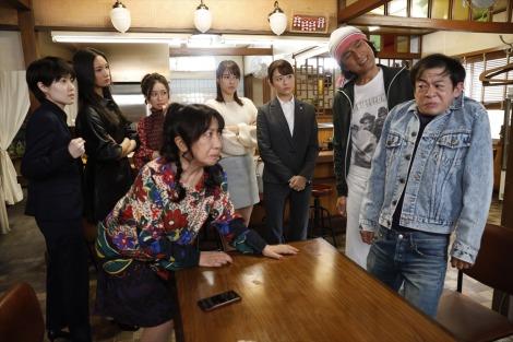 テレビ朝日系で放送中の木曜ドラマ『七人の秘書』ラーメン店「萬」 (C)テレビ朝日