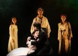 『レ・ミゼラブル』2021カンパニーとフジテレビ系『2020 FNS歌謡祭』がコラボ決定 写真はフィナーレ・中央にコゼット役の生田絵梨花。来年は右端のエポニーヌ役に挑戦。