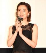 映画『ドクター・デスの遺産-BLACK FILE-』公開記念舞台あいさつに出席した北川景子