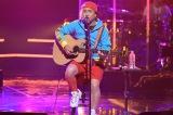 19のヒット曲「以心伝心」を披露する岡平健治=BSプレミアム・BS4Kで11月14日放送、『歌える! J-POP 黄金のヒットパレード決定版!』 (C)NHK