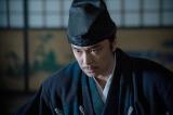 明智光秀(長谷川博己)=大河ドラマ『麒麟がくる』第32回(11月15日放送)より(C)NHK