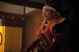 織田信長(染谷将太)=大河ドラマ『麒麟がくる』第33回(11月22日放送)より(C)NHK