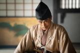 摂津晴門(片岡鶴太郎)=大河ドラマ『麒麟がくる』第33回(11月22日放送)より(C)NHK