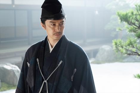 明智光秀(長谷川博己)=大河ドラマ『麒麟がくる』第33回(11月22日放送)より(C)NHK