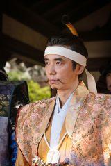 朝倉義景(ユースケ・サンタマリア)=大河ドラマ『麒麟がくる』第33回(11月22日放送)より(C)NHK