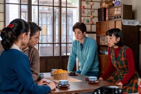連続テレビ小説『エール』最終週・第116回(11月23日放送)より。話し合いは延々と噛み合わず…(C)NHK