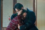 連続テレビ小説『エール』第10週・第50回より。窪田正孝が音との印象的なシーンに挙げた裕一が音の夢をあずかるシーン (C)NHK