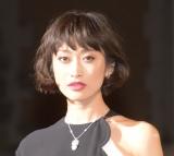 『BAZAAR ICONS BY CARINE ROITFELD』のブラックカーペットに登場した山田優 (C)ORICON NewS inc.
