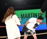 サプリメント「MARTIN-UP」の新製品発表会に登場した(左から)希帆、朝倉未来 (C)ORICON NewS inc.
