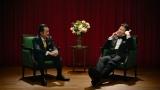 対談インタビューをする吉田鋼太郎と佐藤二朗