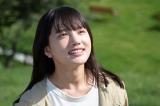 明るい笑顔を見せる百音(清原果耶)=連続テレビ小説第104作『おかえりモネ』(2021年春スタート)宮城県気仙沼市でロケを実施 (C)NHK