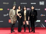 『2020 Mnet ASIAN MUSIC AWARDS』フォトウォールに登場したMAMAMOO(C) CJ ENM Co., Ltd, All Rights Reserved.