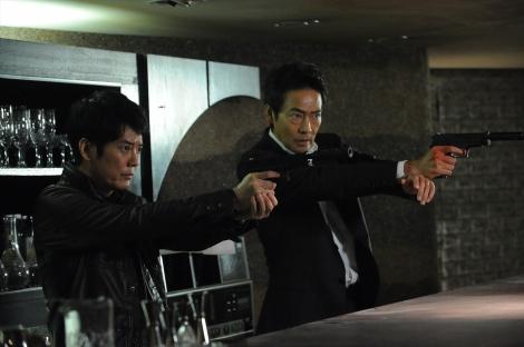 『24 JAPAN』第2話「01:00A.M.-02:00A.M.」(10月16日放送)より (C)テレビ朝日