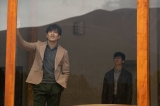 土曜ドラマ『ノースライト』(12月12日・19日放送)岡嶋昭彦(北村一輝)、青瀬稔(西島秀俊)(C)NHK