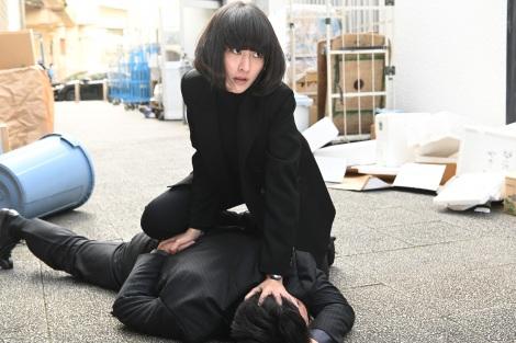 日本テレビ系連続ドラマ『レッドアイズ 監視捜査班』に出演するシシド・カフカ (C)日本テレビ