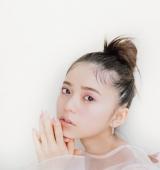 齋藤飛鳥、大人の女性としての「今」表現 『sweet』で新連載スタート、テーマは「色」