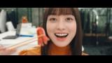 彼氏にお弁当「あーん」橋本環奈出演の『放置少女』CM